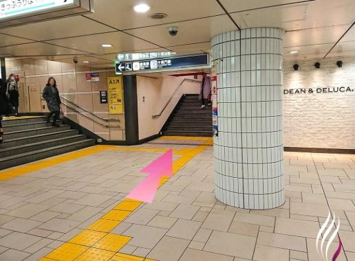 表参道駅からの道順 1