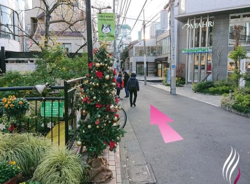 表参道駅からの道順 4