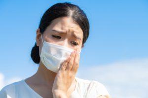 マスクで肌トラブルが起こる3つの原因とは?スキンケア方法やマスクの使い方などの対策を紹介