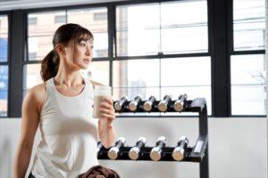 EAAサプリとは?5つの効果、飲むタイミングや摂取量を解説!プロテインやBCAAとの違い